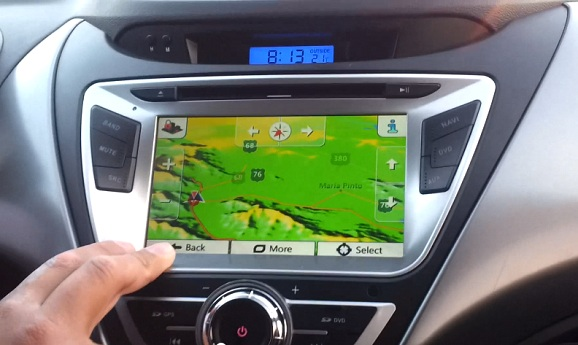 dvd auto cu navigatie hyundai elantra instalat